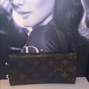 Louis Vuitton Porutofoiyu Brotha Monogram V wallet